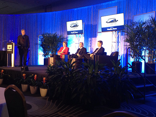 Conferencia de Plastics in Automotive, organizada en Detroit por Plastics News.